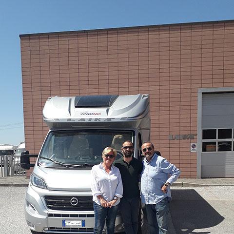 Consegna del camper Laika Kreos 4009 alla famiglia Alterini