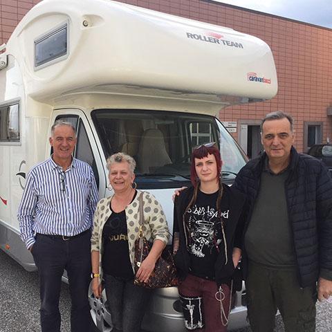 Consegna del camper Roller Team Pegaso 707 alla famiglia Niccolai