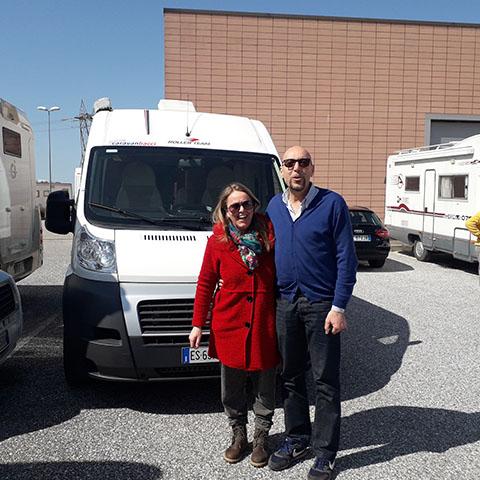 Consegna del camper Roller Team Livingstone Duo prestige alla famiglia Rocchi