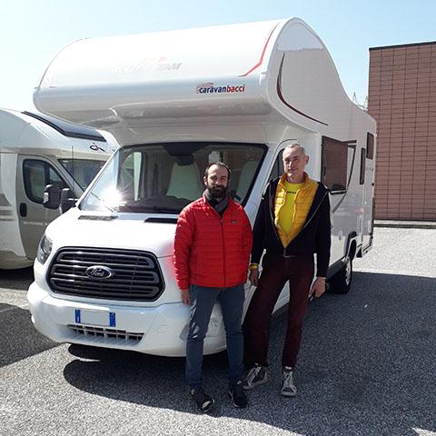 Consegna del camper Roller Team Autoroller 298 al signor Dini