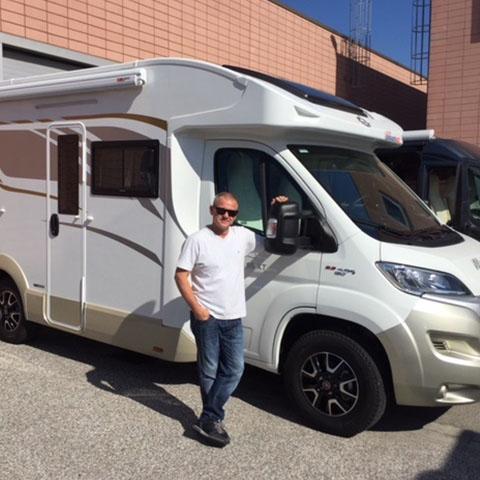 Consegna del camper Ci Magis 95 XT al sig. Larini