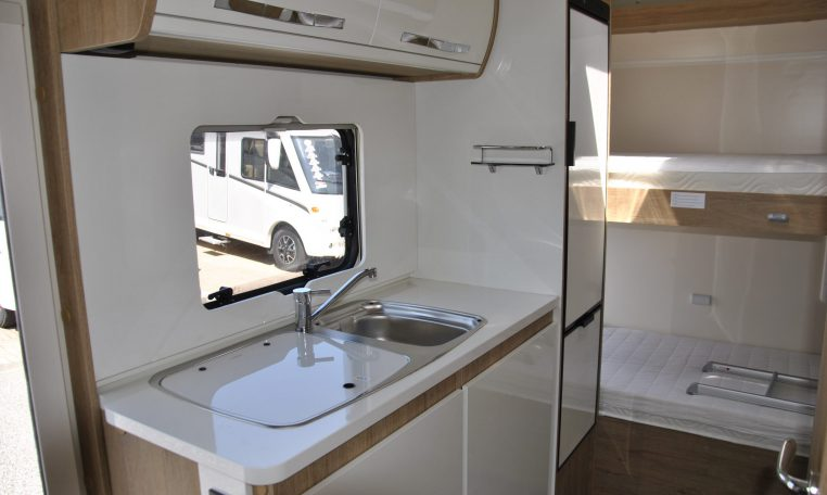 Lavandiono interno camper | Caravanbacci.com