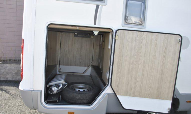 Caravans-International-Riviera-garage-4