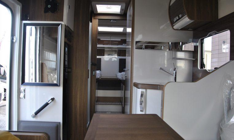 Mobilvetta Krosser 86 - Caravanbacci