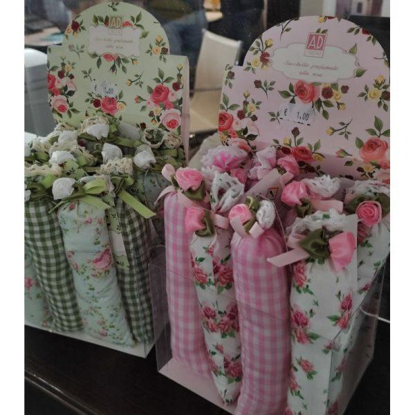 sacchettini profumati alla rosa per biancheria caravanbacci